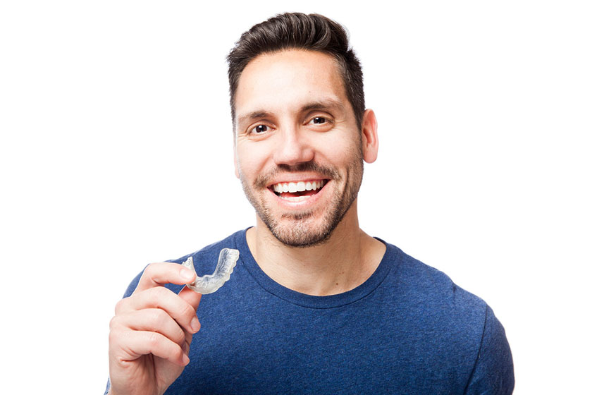 До и после выравнивания зубов элайнерами