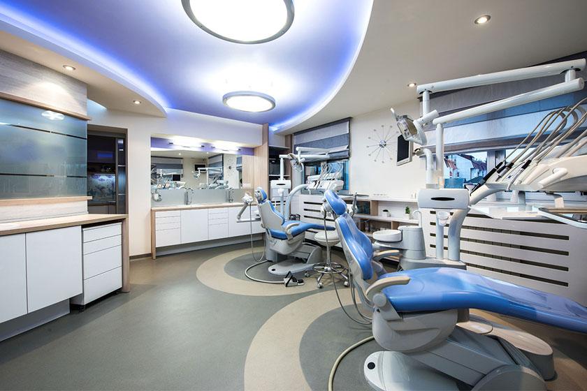 На что обратить внимание при выборе стоматологической клиники