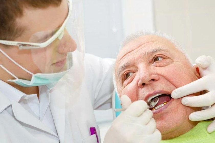 Противопоказания к имплантации зубов у пожилых людей